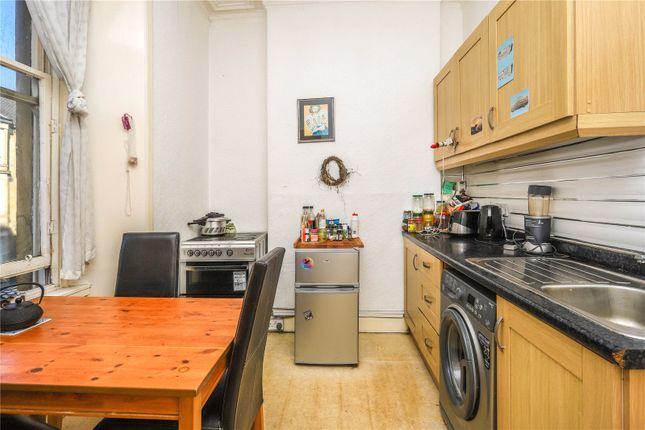 Kitchen of Flat 2/3, Dixon Avenue, Crosshill, Glasgow G42