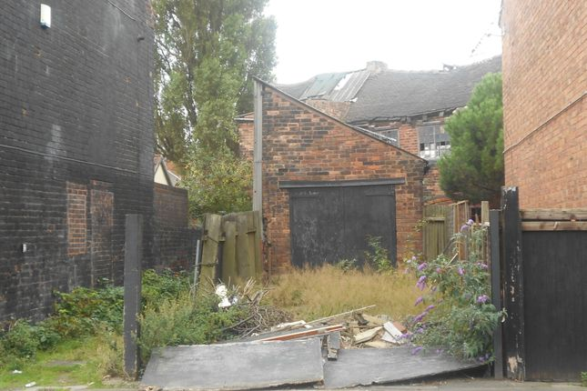 Light industrial to let in St Anns Road, Willenhall