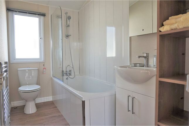 Family Bathroom of Irwin Road, Sheerness ME12