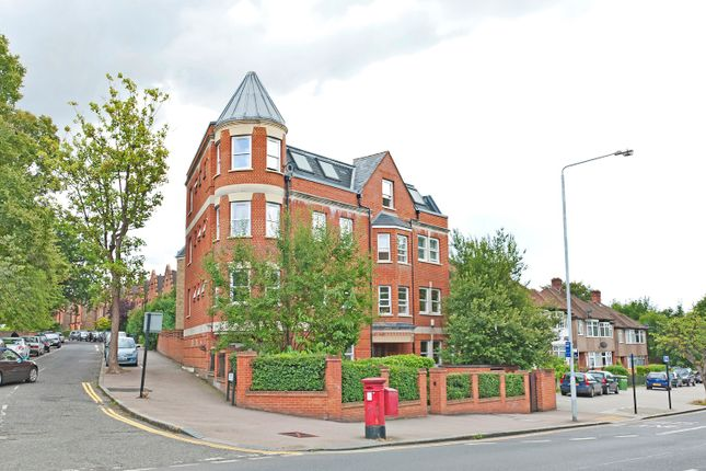 2 bed flat to rent in Peak Hill View, 199 - 203 Kirkdale, Sydenham, London SE26