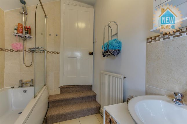 Family Bathroom: of Palmer Street, Wrexham LL13