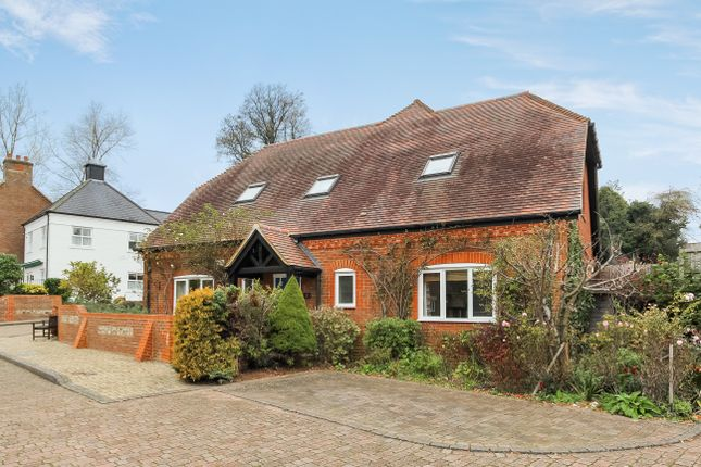Thumbnail Property for sale in Cromwell Gardens, Alton, Hampshire