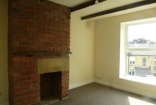 Thumbnail Terraced house to rent in Park Avenue, Pudsey