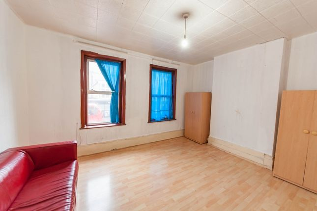 Thumbnail Flat to rent in High Street North, Manor Park