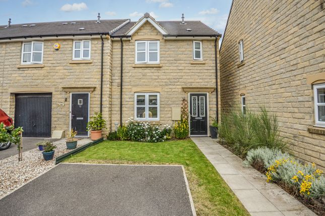 3 bed town house for sale in Dryden Way, Lindley, Huddersfield HD3