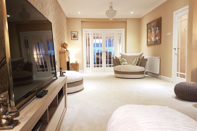 Thumbnail Semi-detached house to rent in Wimborne Avenue, Southall, Middlesex