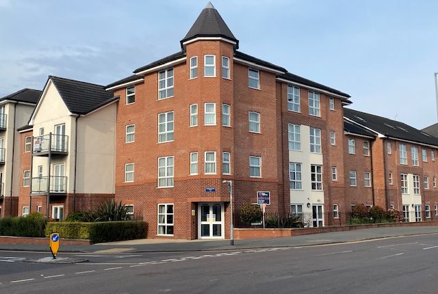 Thumbnail Flat for sale in High Street, Wolstanton Newcastle Under Lyme