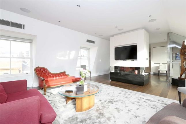 Thumbnail Flat for sale in Long Acre, London