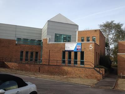 Thumbnail Office to let in Unit 5 Armstrong Mall, Southwood Business Park, Farnborough, Hampshire