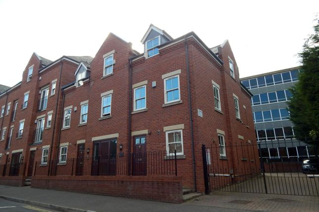 2 bed flat to rent in Foundry Court, Recorder Road, Norwich
