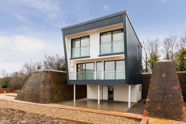 Thumbnail Detached house for sale in Searle Drive, Gosport