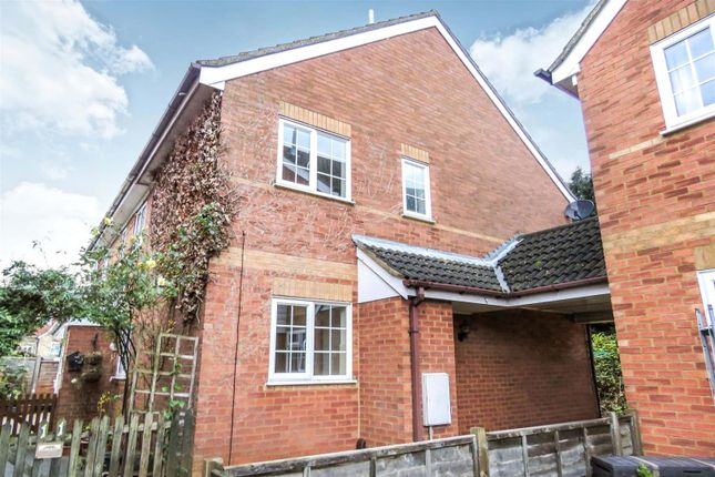 Thumbnail Detached house to rent in Grosvenor Gardens, Biggleswade