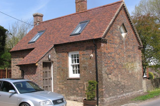 Thumbnail Cottage to rent in Station Road, Isfield
