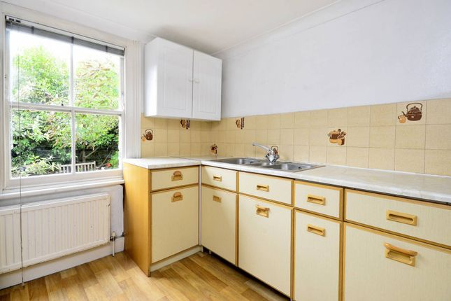 Thumbnail Flat to rent in Winthorpe Road, Putney, London