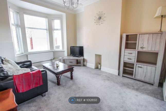 3 bed terraced house to rent in Denison Road, Selby YO8