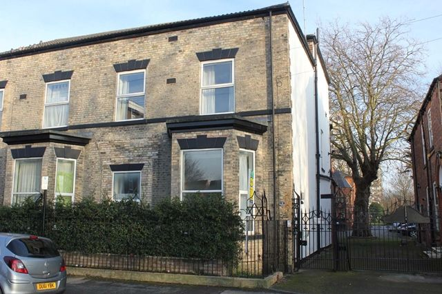 Thumbnail Semi-detached house to rent in Linnaeus Street, Hull