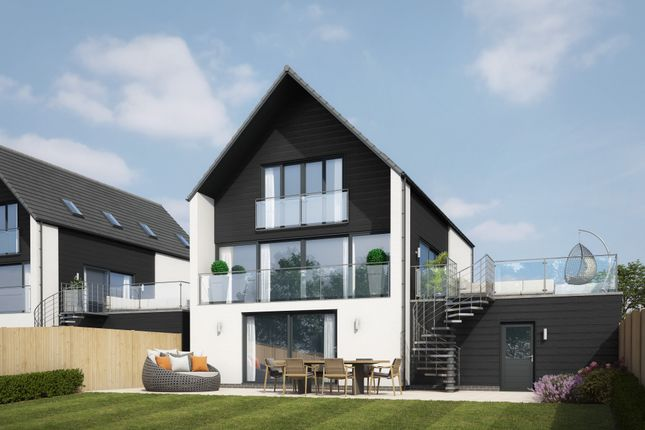 Thumbnail Detached house for sale in The View, Severnbank, Newnham On Severn