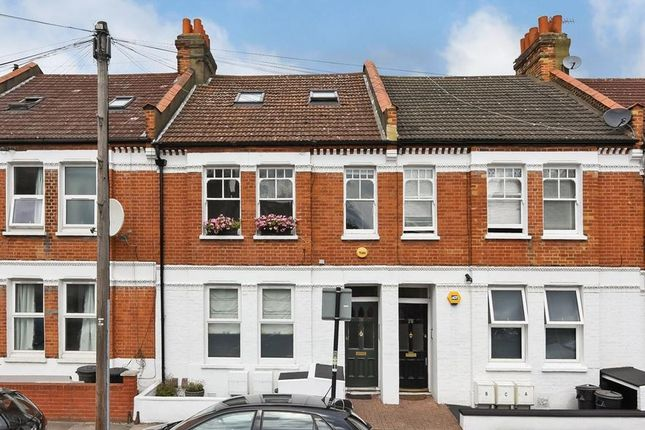 Thumbnail Flat for sale in Gambole Road, London
