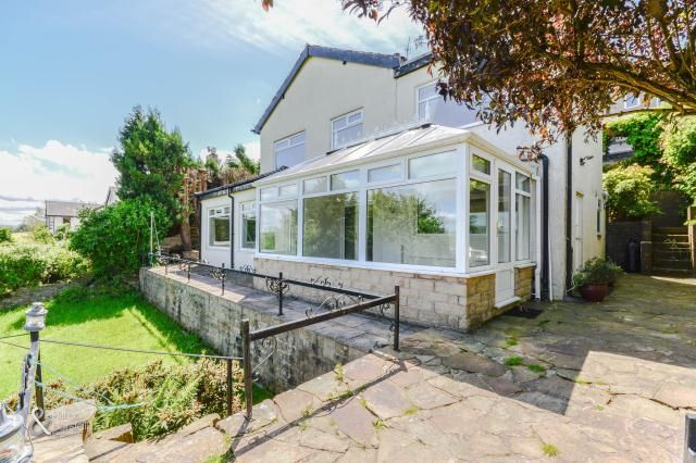 Thumbnail Detached house to rent in Manchester Road, Barnoldswick, Lancashire