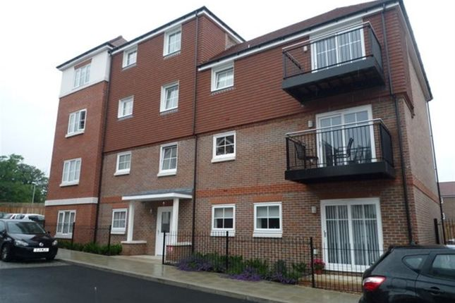 Thumbnail Flat to rent in Rye Lane, Dunton Green, Sevenoaks