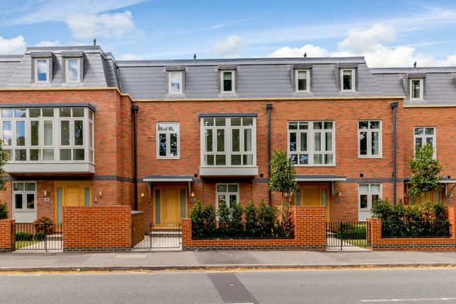 Thumbnail Town house to rent in Thames Street, Weybridge