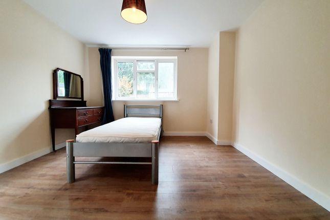 Thumbnail Flat to rent in Rosemont Avenue, London
