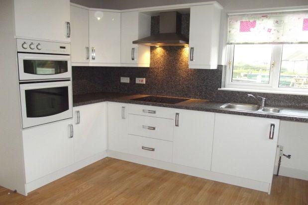 Thumbnail Bungalow to rent in Ridgeway Road, Brinsworth, Rotherham