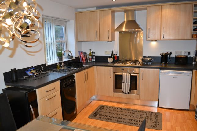3 bed town house to rent in Malt Kiln Way, Sandbach CW11