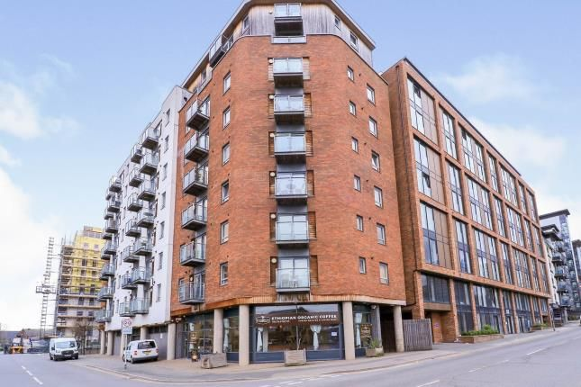 Thumbnail Flat for sale in Cypress Point, Leylands Road, Leeds, West Yorkshire