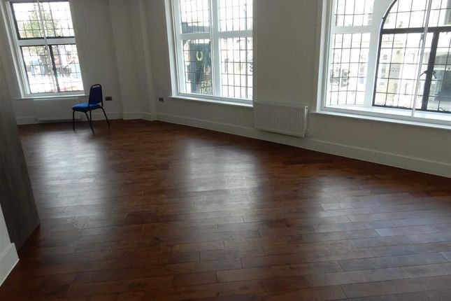 Thumbnail Flat to rent in South Road, Southall, Middlesex
