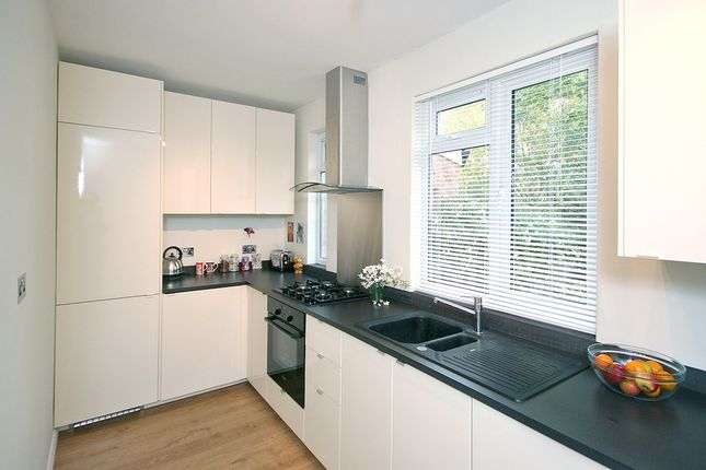 2 bed terraced house for sale in Thompson Avenue, Richmond
