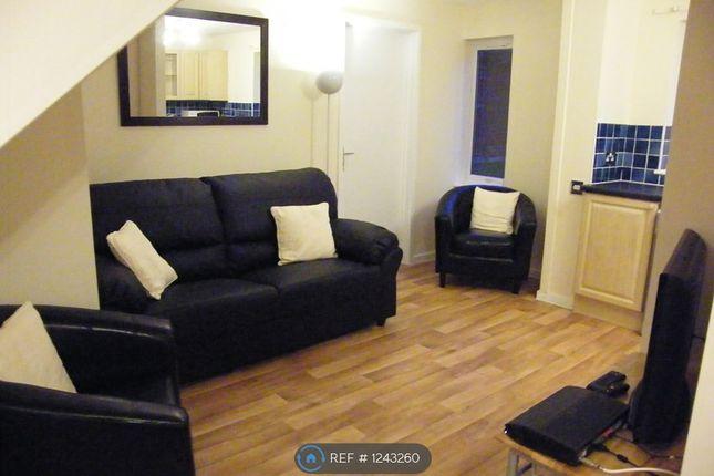 Room to rent in Brookhouse Road, Farnborough GU14