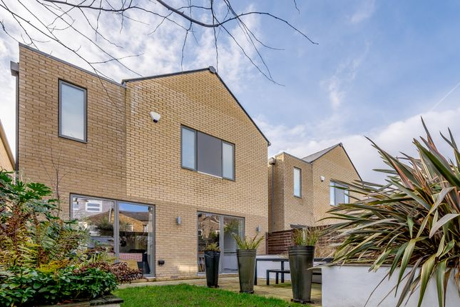 Thumbnail Detached house for sale in Hayward Mews, London