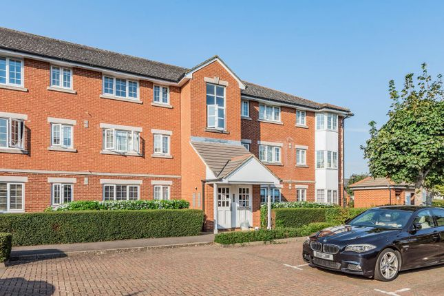 Flat for sale in Sigrist Square, Kingston Upon Thames