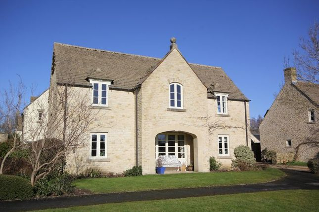 Thumbnail Flat for sale in West Allcourt, Lechlade