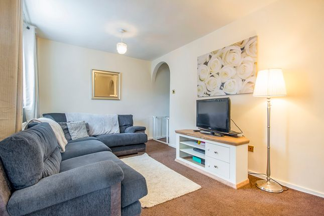3 bed semi detached house for sale in giltbrook nottingham ng16