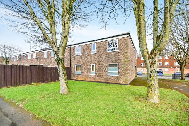 Thumbnail Flat for sale in Westerleigh Close, Chippenham