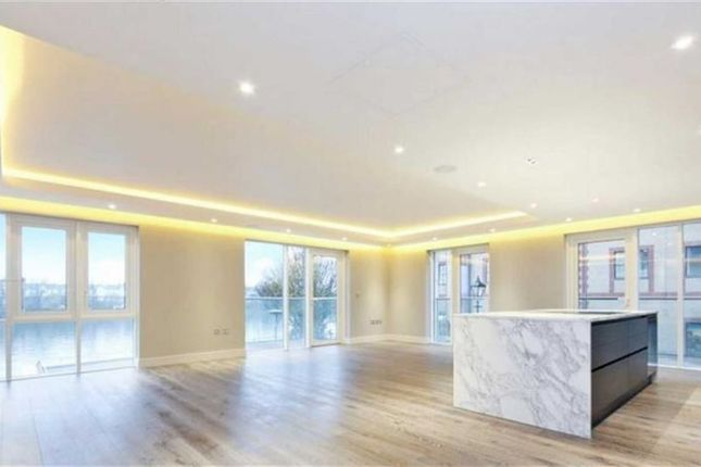 Thumbnail Flat for sale in Distillery Wharf, Fulham, London