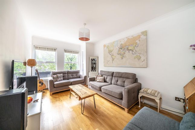 Thumbnail Flat for sale in Leigham Vale, Streatham