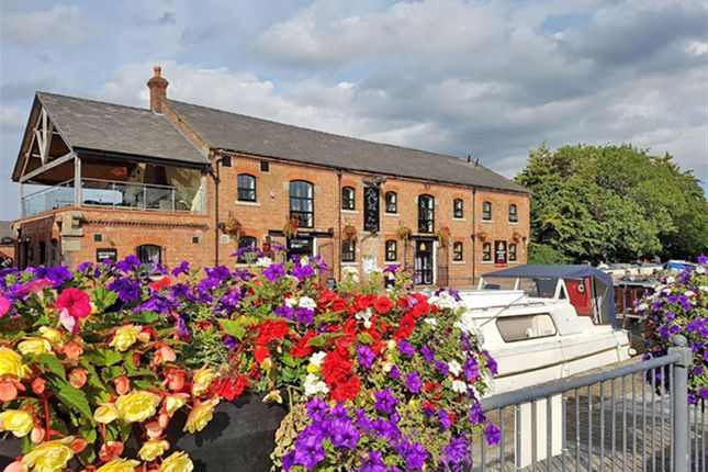 Thumbnail Pub/bar for sale in Prominently Located Bar & Restaurant, Lancashire L40, Liverpool Road, Lancashire