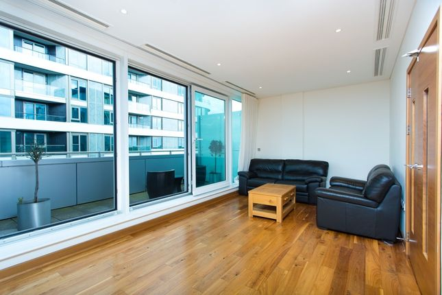 Thumbnail Flat to rent in Queenstown Road, Battersea