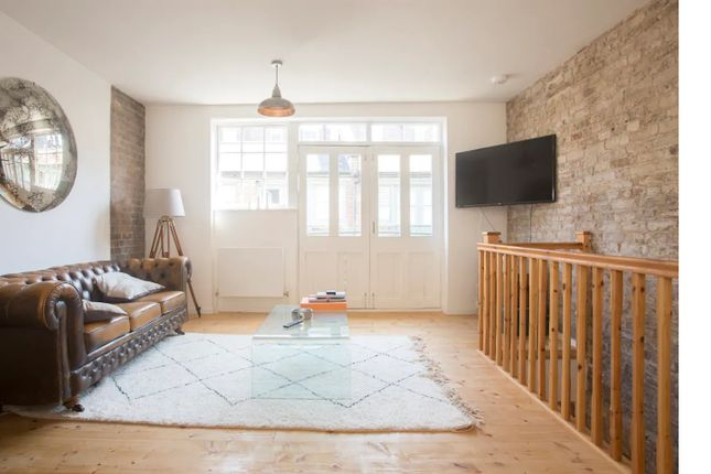 Thumbnail Flat to rent in Temple Yard, Bethnal Green