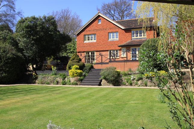 Thumbnail Detached house to rent in Fernhill Lane, Hook Heath, Woking