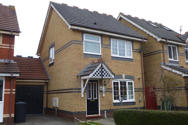 Thumbnail Property to rent in Kingham Close, Chippenham
