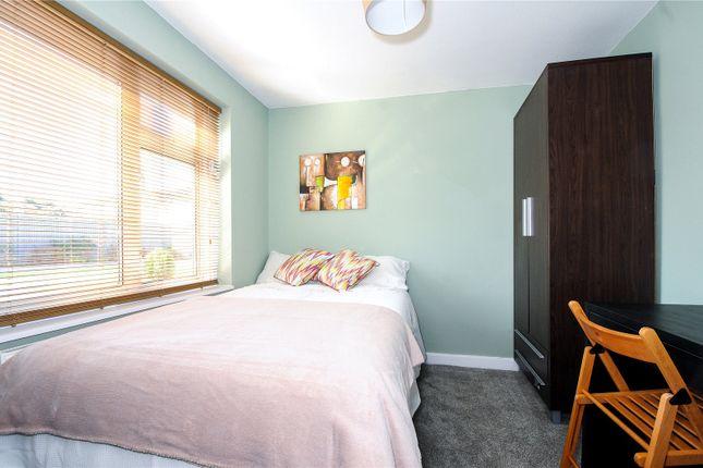Thumbnail Room to rent in Hubberholme, Bracknell, Berkshire