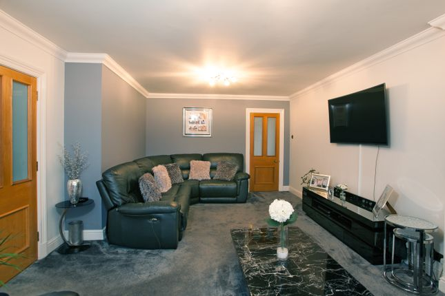 Lounge of Fairway, Leigh-On-Sea, Essex SS9
