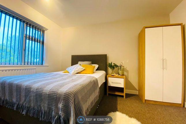 Thumbnail Room to rent in Sandall Park Drive, Doncaster