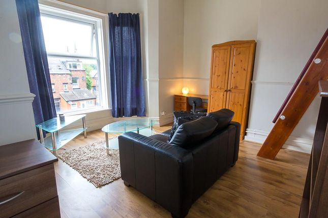 Thumbnail Studio to rent in Flat 9, 223 Hyde Park Road, Hyde Park