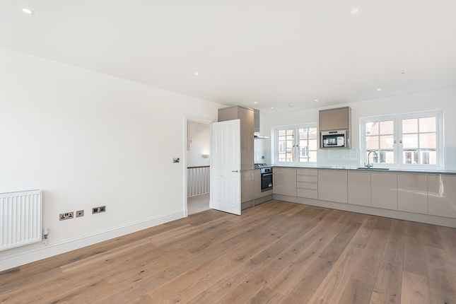 Thumbnail Duplex to rent in Station Approach, Great Missenden