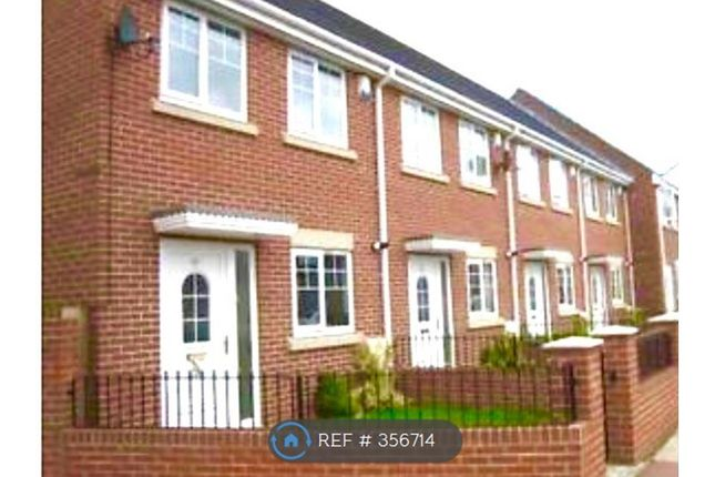 3 bed semi-detached house to rent in Neville Road, Sunderland